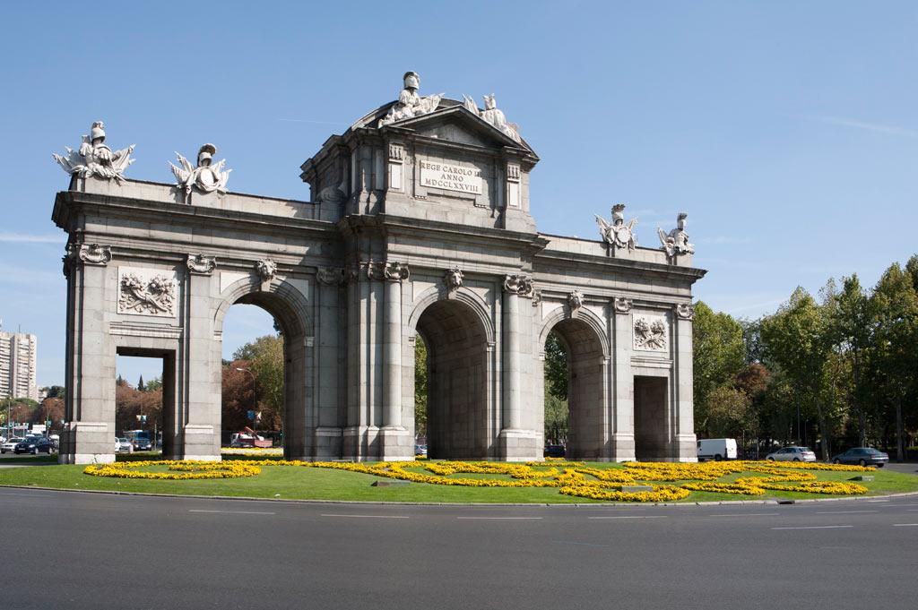 Turismo en madrid hotel 4c bravo murillo web oficial for Puerta 23 bernabeu